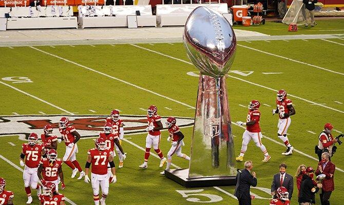 Apuesta al Super Bowl 55 donde se enfrentarán los Kansas City Chiefs y los Tampa Bay Buccaneers