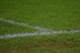 La línea blanca pintada sobre el césped verde de un estadio. Lee nuestros picks para la Jornada 6 del Apertura de Paraguay.