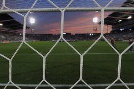 El terreno de juego visto desde el fondo de la portería. Cuotas Jornada 15 del Apertura de Paraguay.