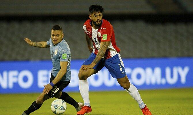 Omar Alderete de Paraguay busca un compañero al que asistir. Cuotas y picks Paraguay vs Brasil.