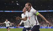 Harry Kane celebra un gol con todos sus compañeros. Cuotas Italia vs Inglaterra, final Euro 2020.