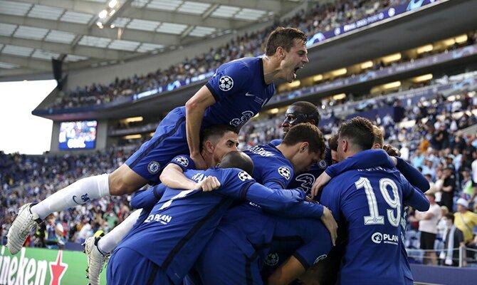 El Chelsea celebrando su victoria en Champions League. Cuotas Chelsea vs Villarreal, Supercopa UEFA.